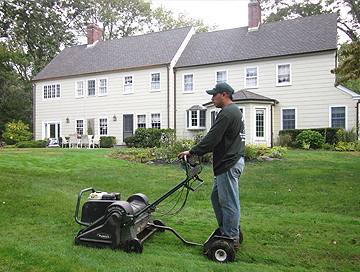 Long Island Lawn Mowing by Alternative Earthcare